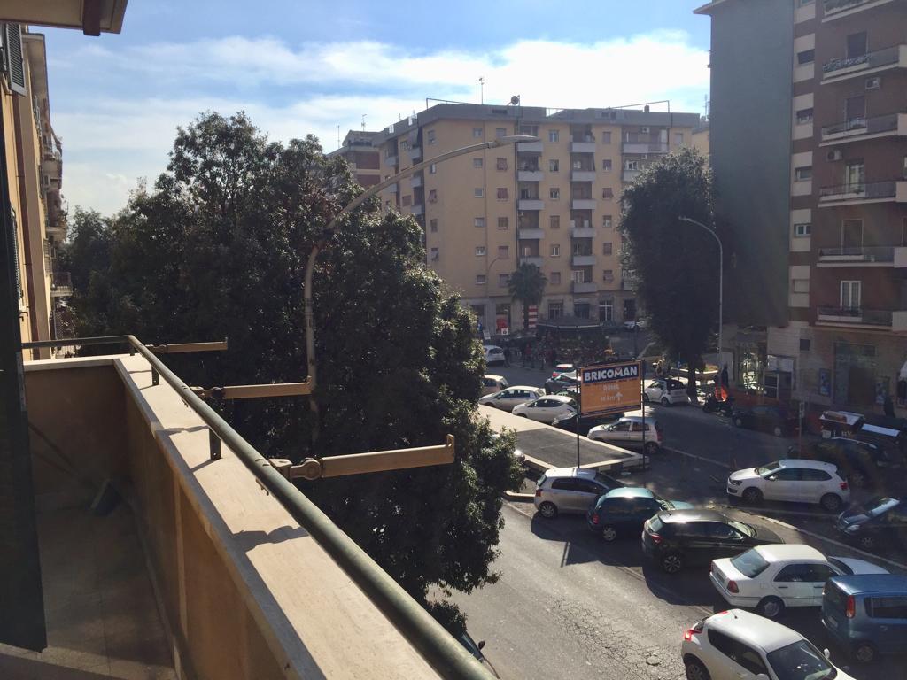 Foto 4 di Appartamento Roma